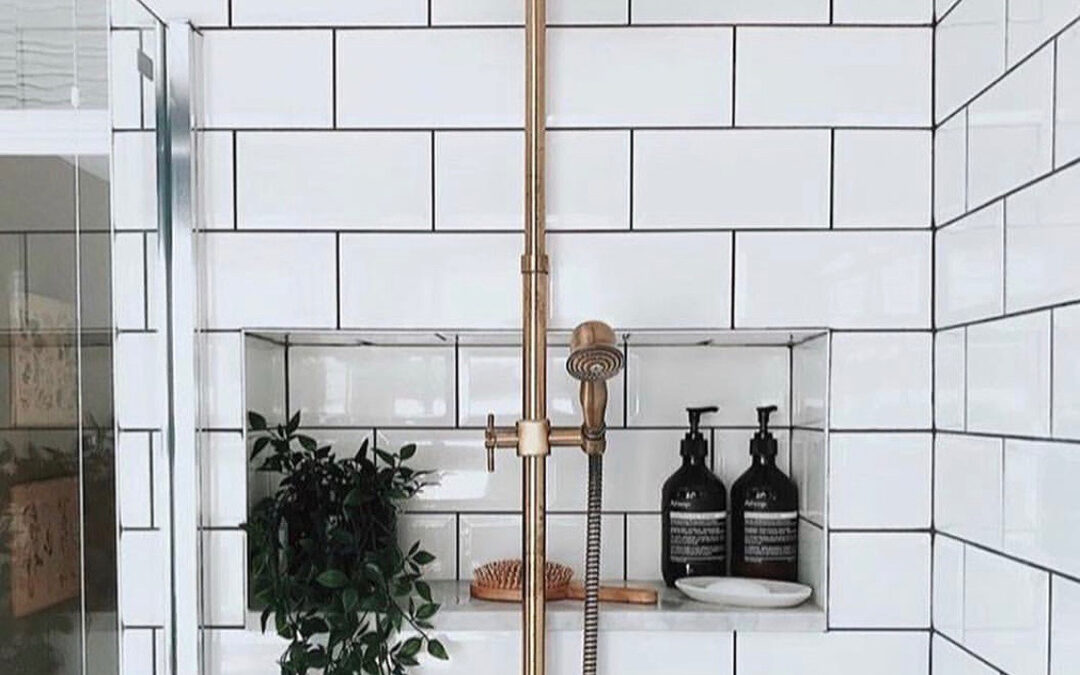 How to Clean the Shower Screen, Bath and Tiles Properly
